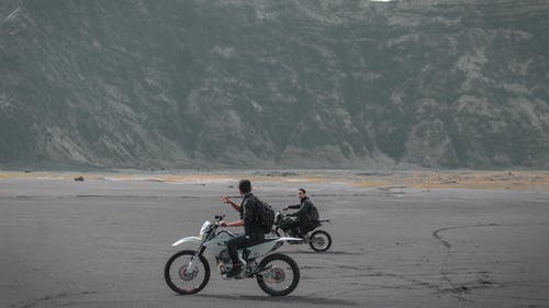 Fotos de stock gratuitas de acción, atracción, aventura, bici