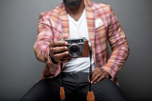 Fotobanka sbezplatnými fotkami na tému chlap, človek, fotoaparát, móda
