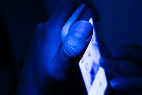 Darmowe zdjęcie z galerii z cyfrowe życie, cyfrowy, smartfon