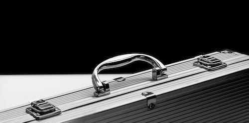 Kostnadsfri bild av aluminium, bagage, chrome, fall