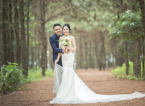 Gratis lagerfoto af asiatisk par, blomster, brud, brud og gom