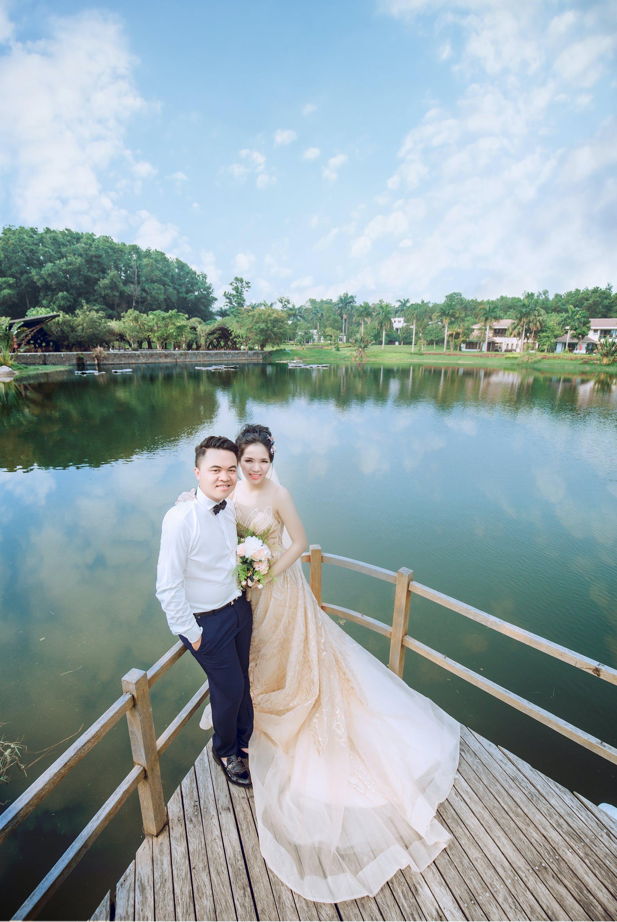 Kostenloses Stock Foto zu braut und bräutigam, bräutigam, flitterwochen, hochzeit