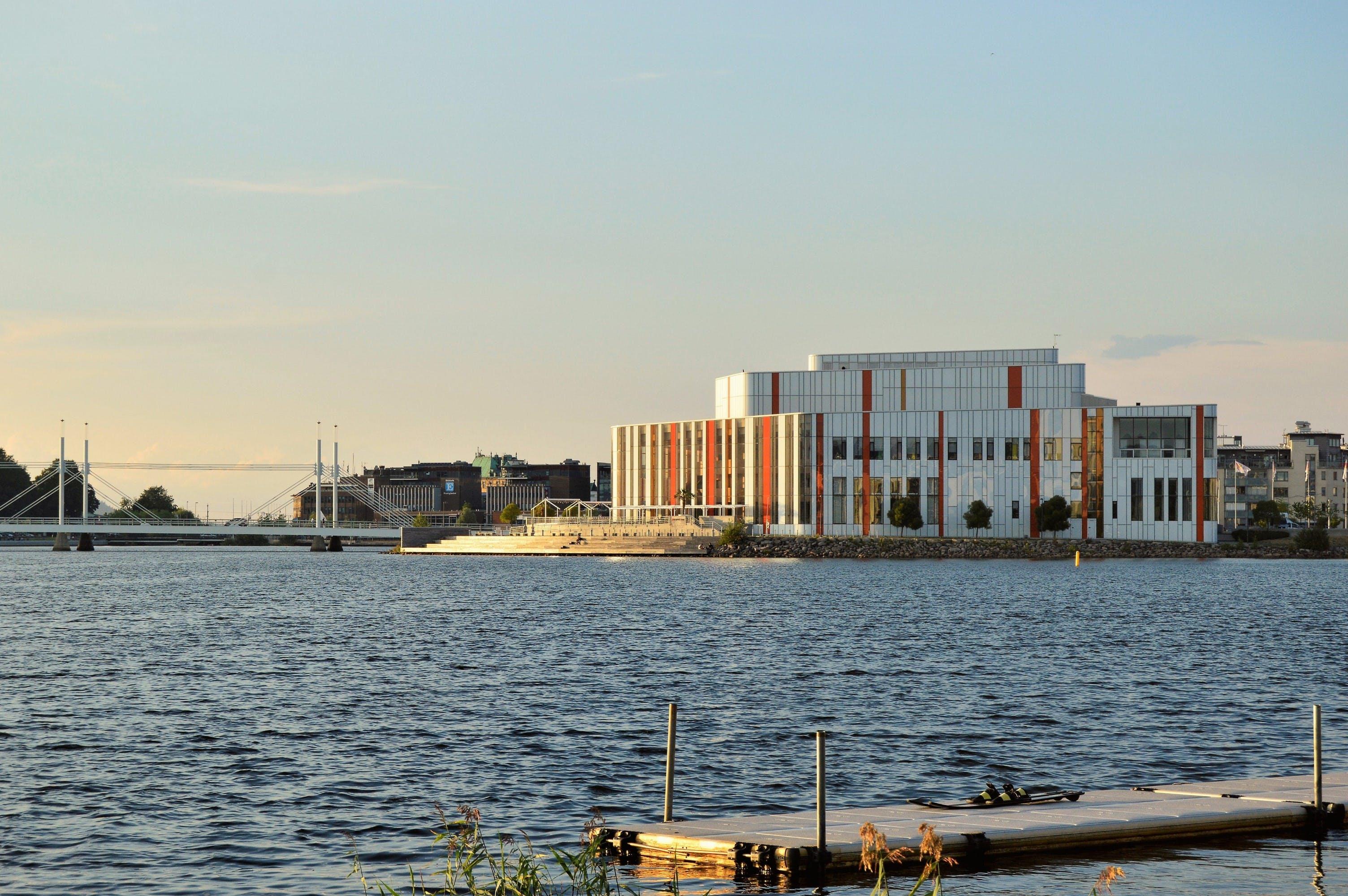 Free stock photo of bridge, jönköping, Kulturhuset, lake