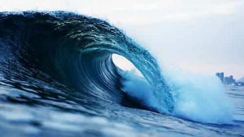 Darmowe zdjęcie z galerii z bryzgać, fala, fala beczki, morze