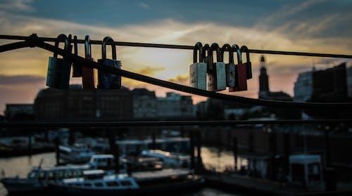 Foto stok gratis berbayang, buram, cinta, jembatan