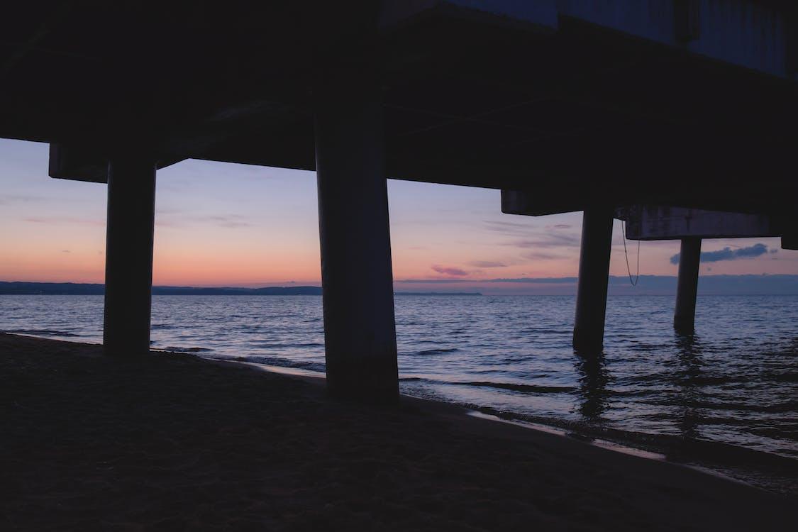 берег моря, вечір, вода