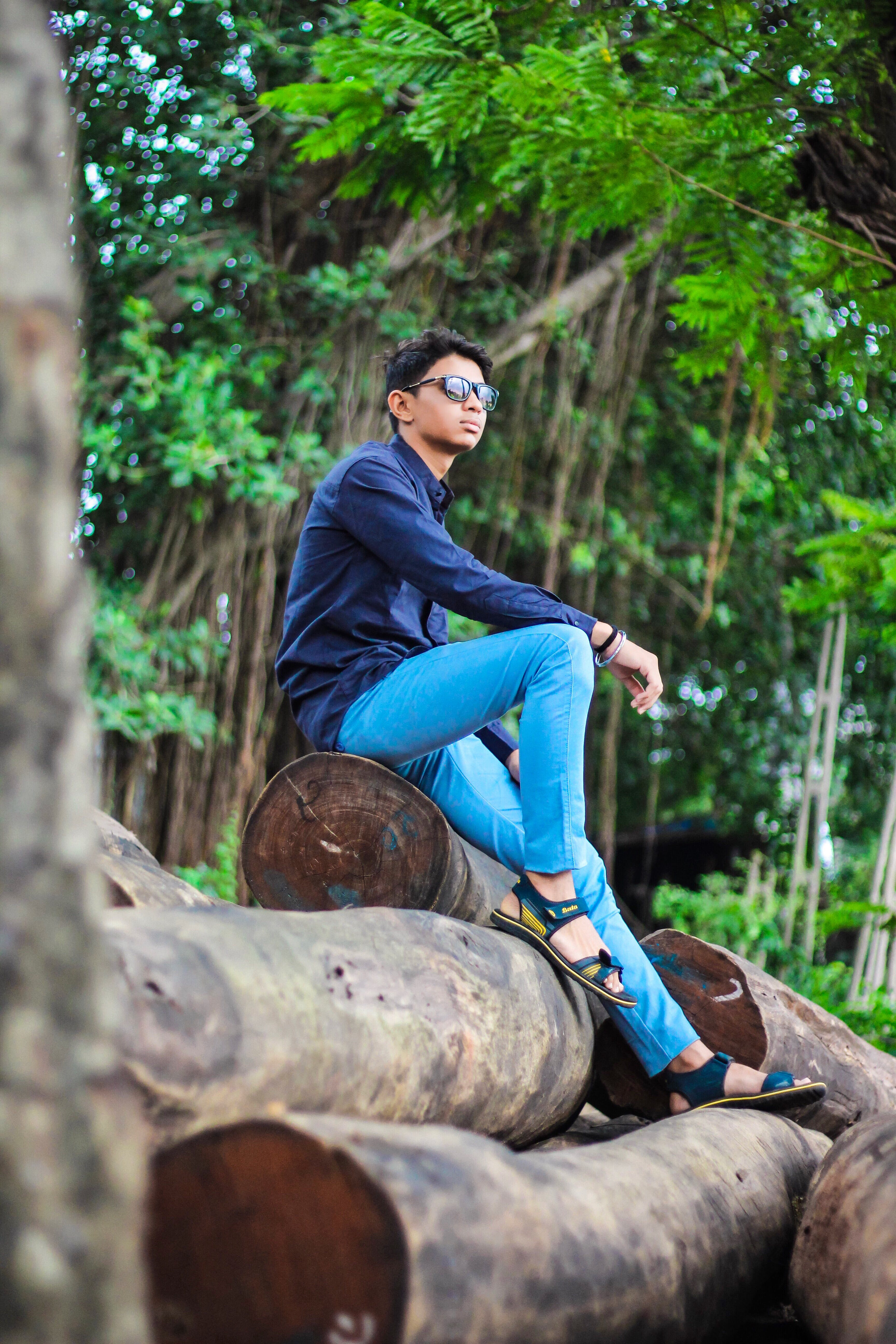 Foto stok gratis duduk, fashion, gaya, laki-laki