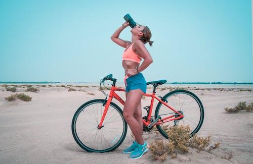 낮, 모래, 몸매가 좋은, 물의 무료 스톡 사진