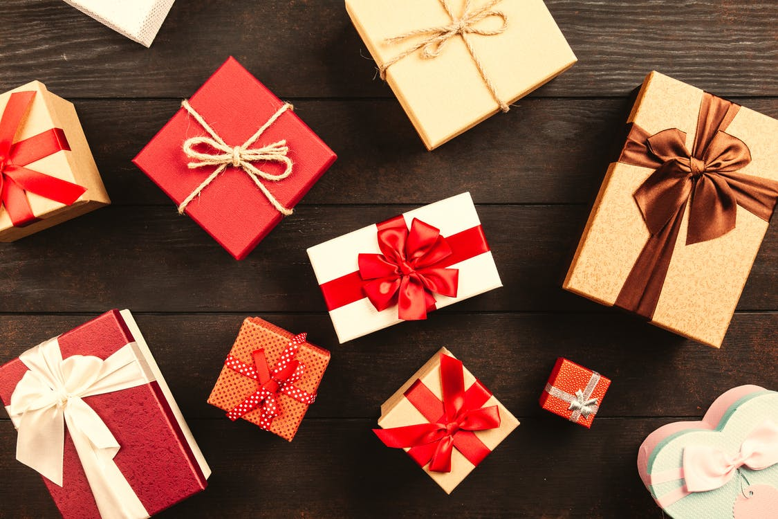 balení, dárky, dary