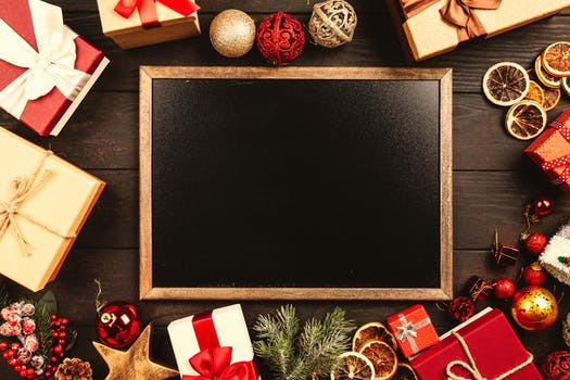 close up photo of black board - Christmas Images Black And White