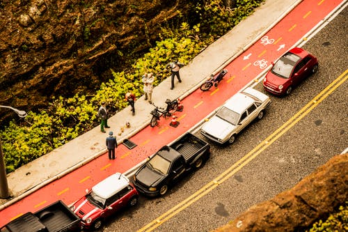 Free stock photo of bicycle, car, gramado, mimimundo