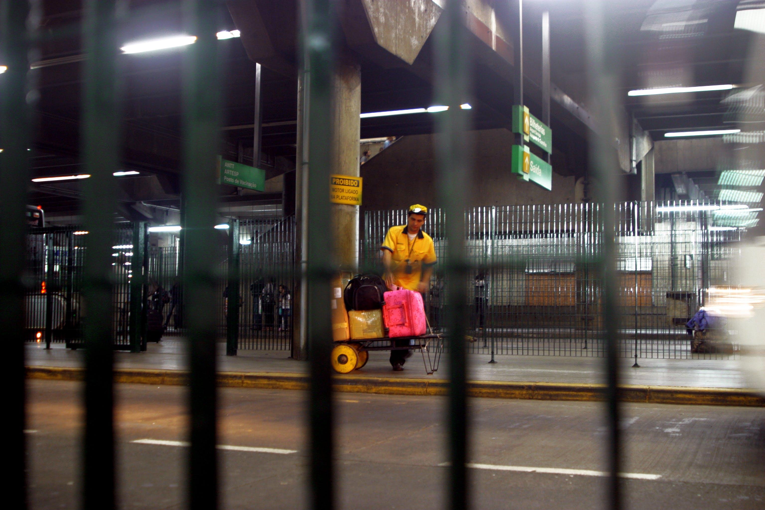 Free stock photo of baggage, baggage handler, brazil, bus stop