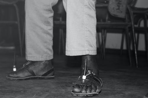 Fotos de stock gratuitas de África, maasai, pies, zapatos africanos