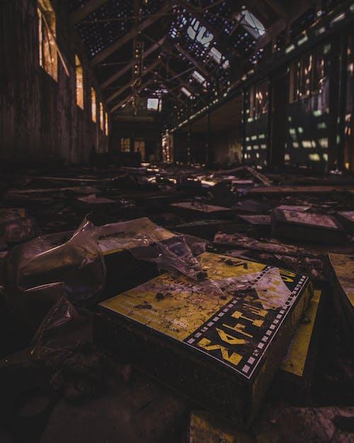 afet, bina, çöp, iç mekan içeren Ücretsiz stok fotoğraf