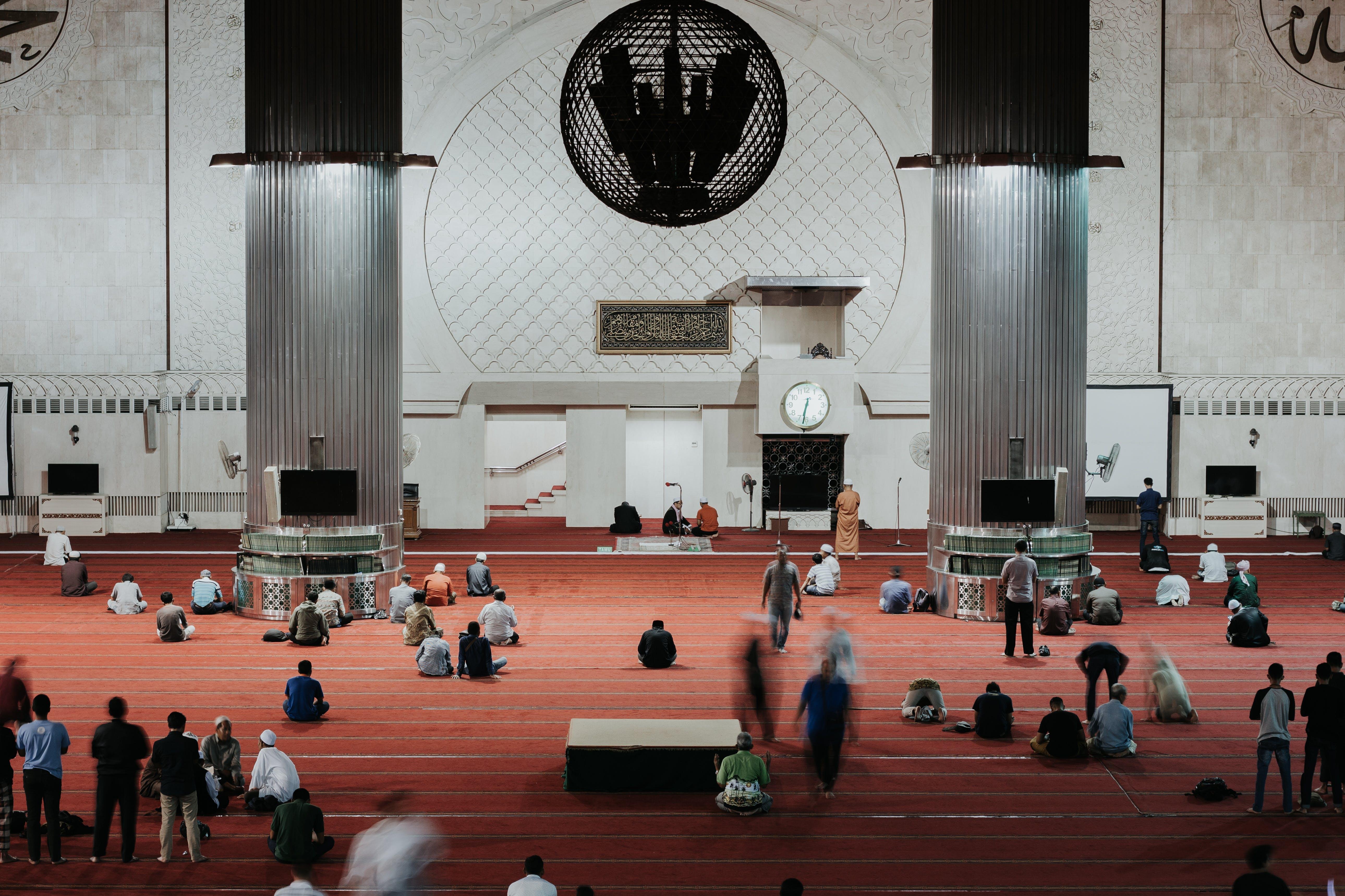 Gratis lagerfoto af folk, indendørs, menneskemængde, muslim