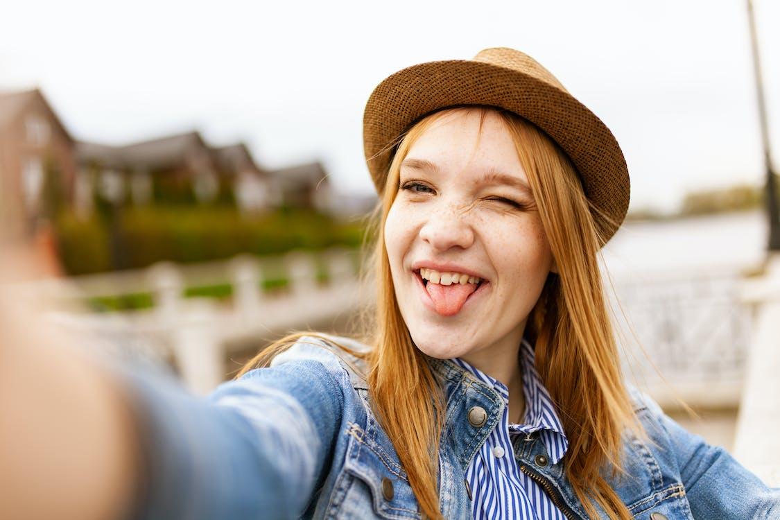 atractiu, autofoto, barret