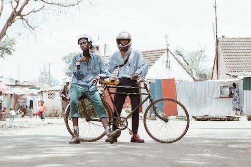 Darmowe zdjęcie z galerii z #creatives, #fotografia uliczna, #kenia, #ludzie