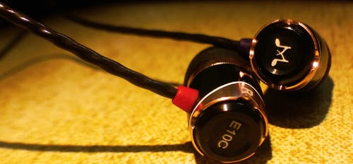 Foto stok gratis earphone, headphone, musik