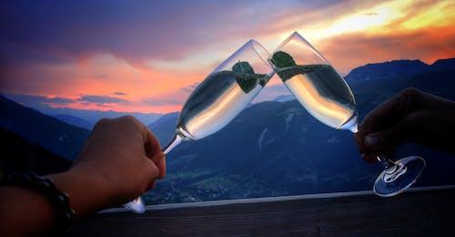 Бесплатное стоковое фото с образ жизни, романтика, шампанское