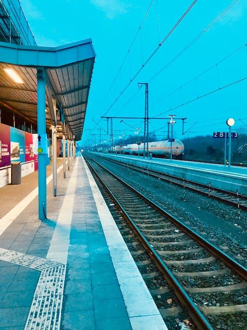 Δωρεάν στοκ φωτογραφιών με προπονούμαι, Σιδηροδρομικός σταθμός