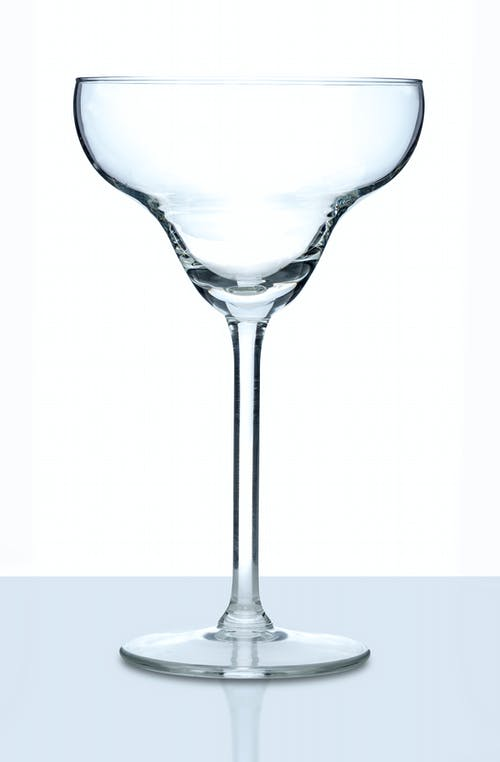 Verre à Martini Sur Table