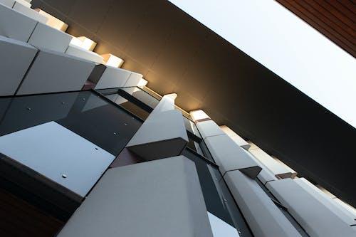 คลังภาพถ่ายฟรี ของ กระจก, การออกแบบสถาปัตยกรรม, ตอนกลางวัน, ทันสมัย