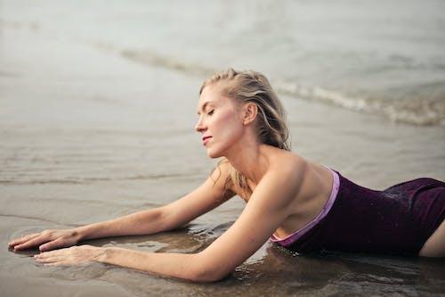 Základová fotografie zdarma na téma blond, dovolená, holka, krása