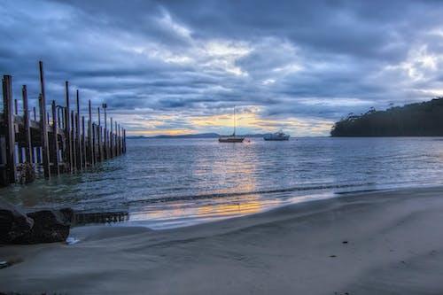Gratis arkivbilde med båter, brygge, bukt, sjø