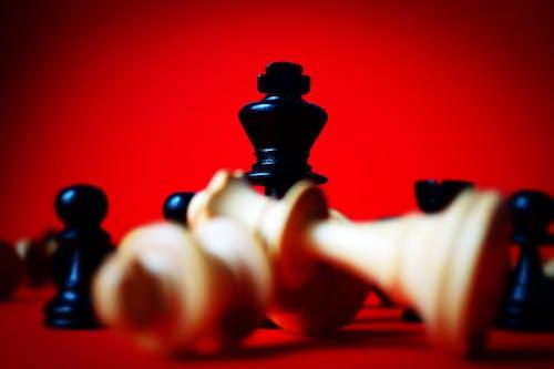 Foto d'estoc gratuïta de blanc, casa de préstecs, escacs, joc
