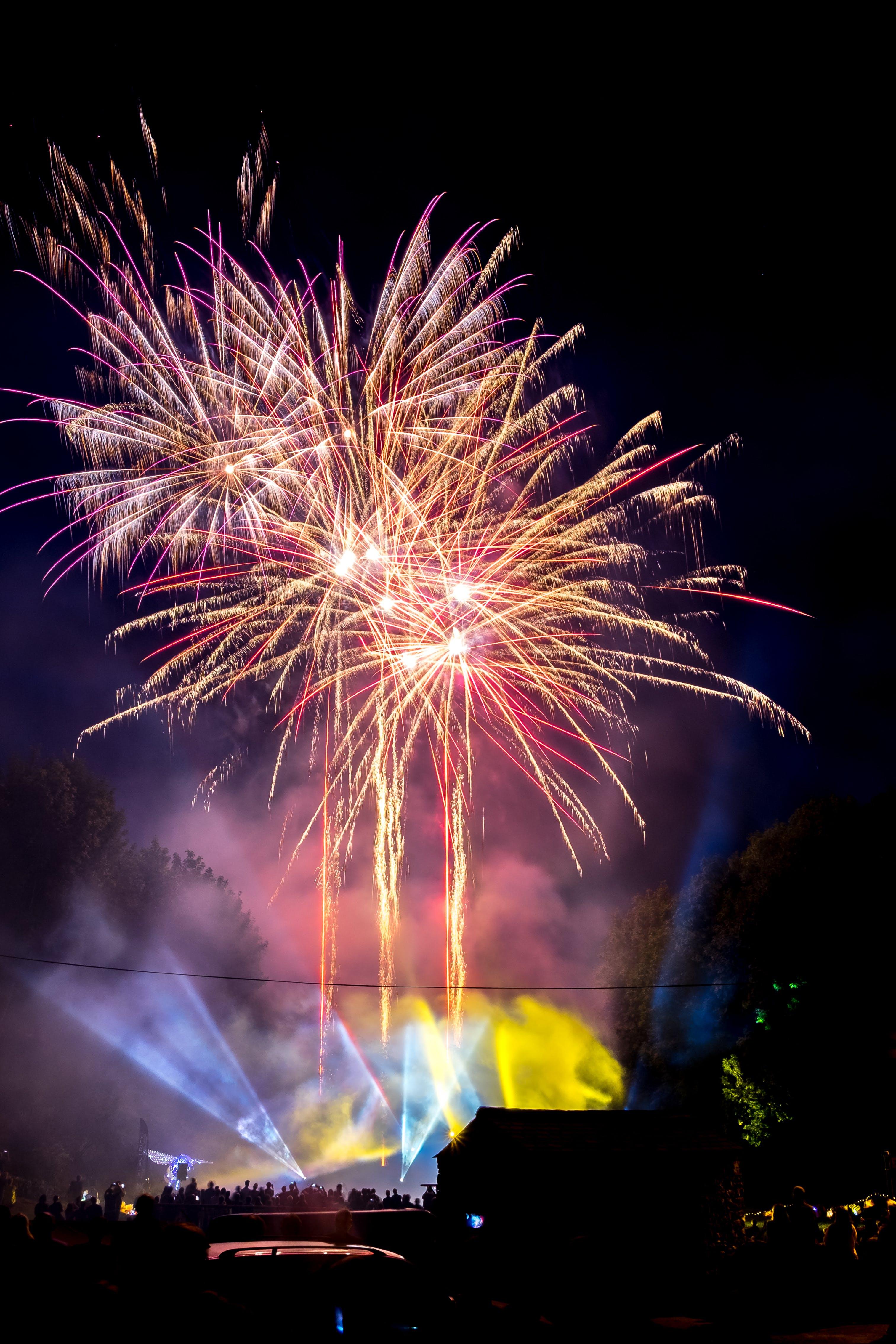 Kostenloses Stock Foto zu beleuchtung, festival, party, explosion