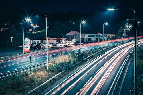 Immagine gratuita di autostrada, fasci di luce, lunga esposizione, notte