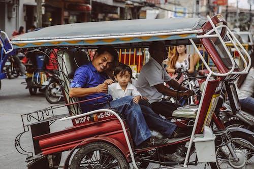 三輪人力車, 交通系統, 人, 兒童 的 免費圖庫相片
