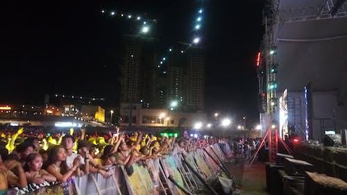 Photos gratuites de fête, foule, gens, lumières