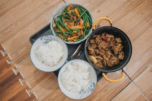 Foto profissional grátis de alimento, almoço, arroz, bacia