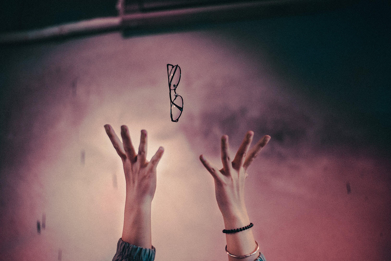 Ingyenes stockfotó dob, elkapás, felemelt kezek, kezek témában