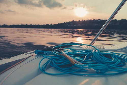 Foto profissional grátis de alvorecer, barco, cair da noite, corda