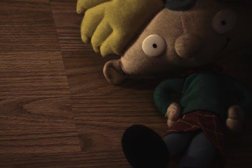 Бесплатное стоковое фото с пыльная эй арнольд плюшевая кукла