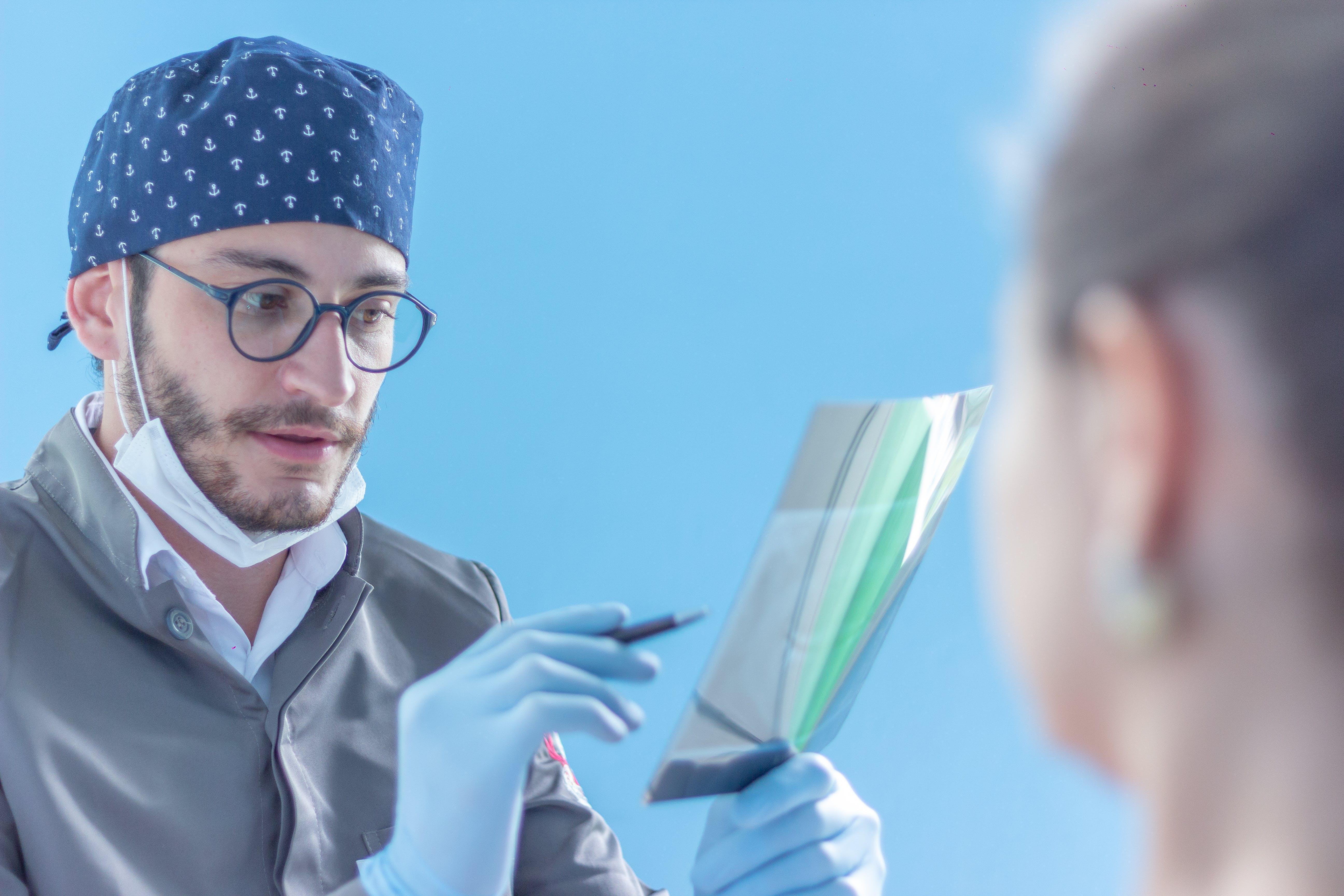 Gratis lagerfoto af kontorbesøg, læge, tandlæge