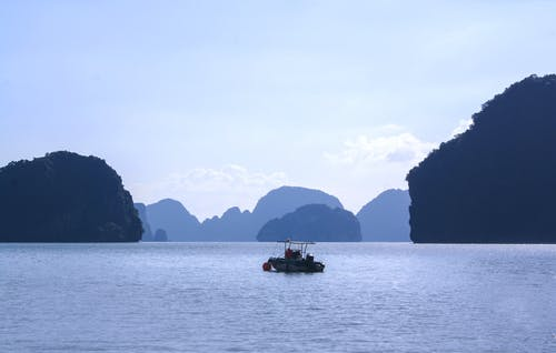 Free stock photo of blue mountains, boat, mountains, phi phi island