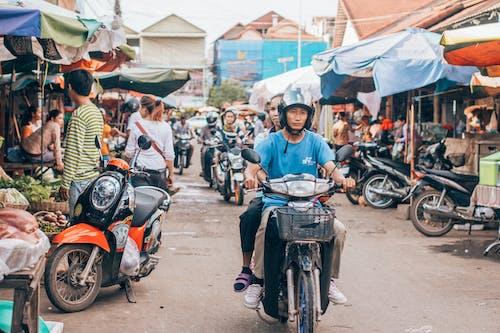 Fotobanka sbezplatnými fotkami na tému Ázijčania, cesta, cyklista, dopravný systém