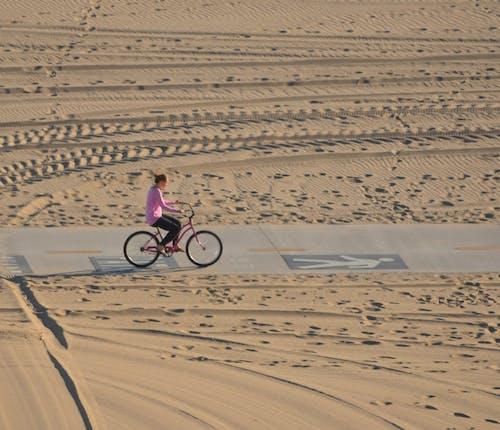 Foto d'estoc gratuïta de acomiadar-se, bicicleta de creuer, creuer al capvespre