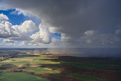 Photos gratuites de champs, ciel, exploitation agricole, météo