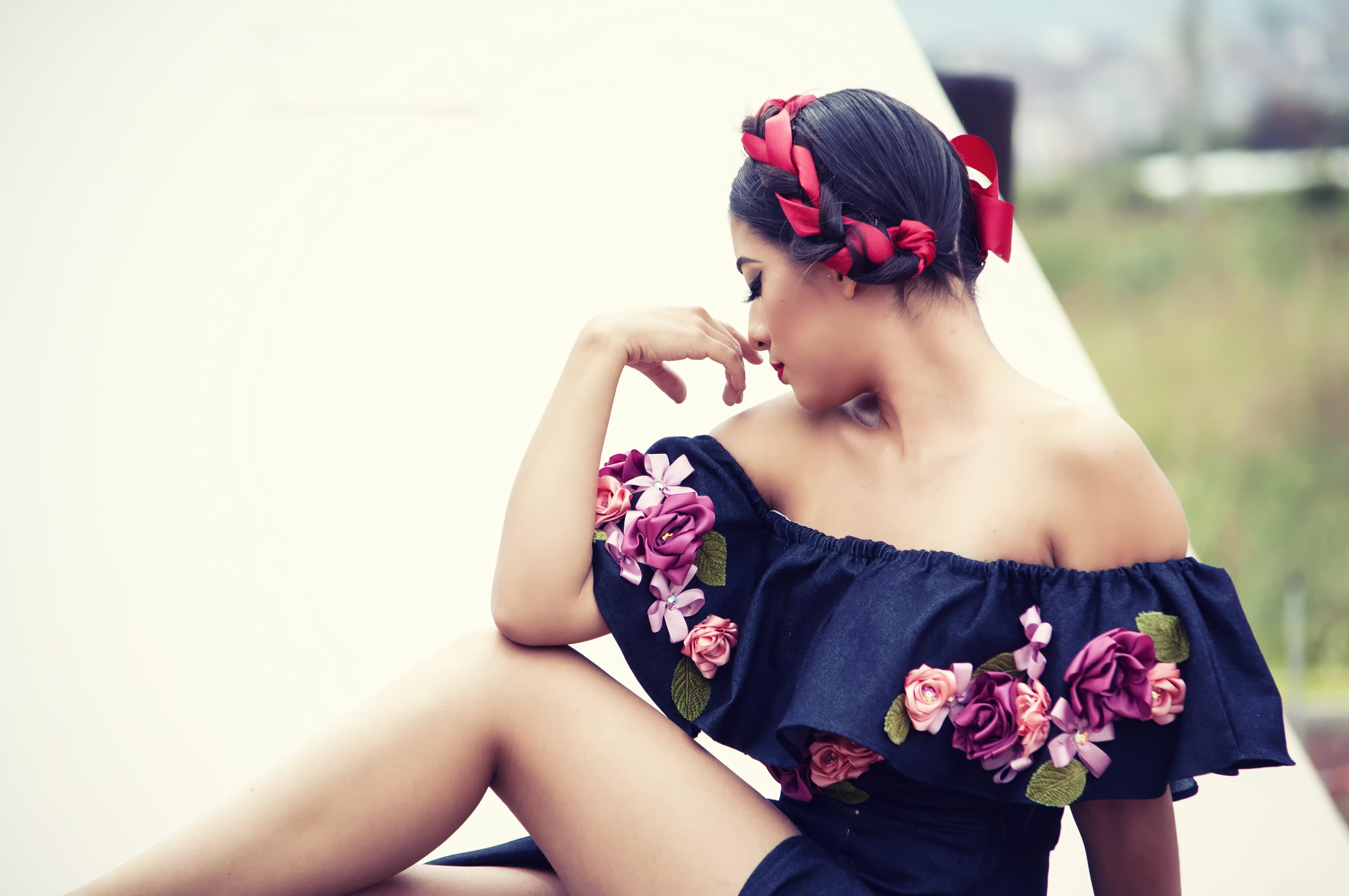 Základová fotografie zdarma na téma holka, krásný, květiny, móda