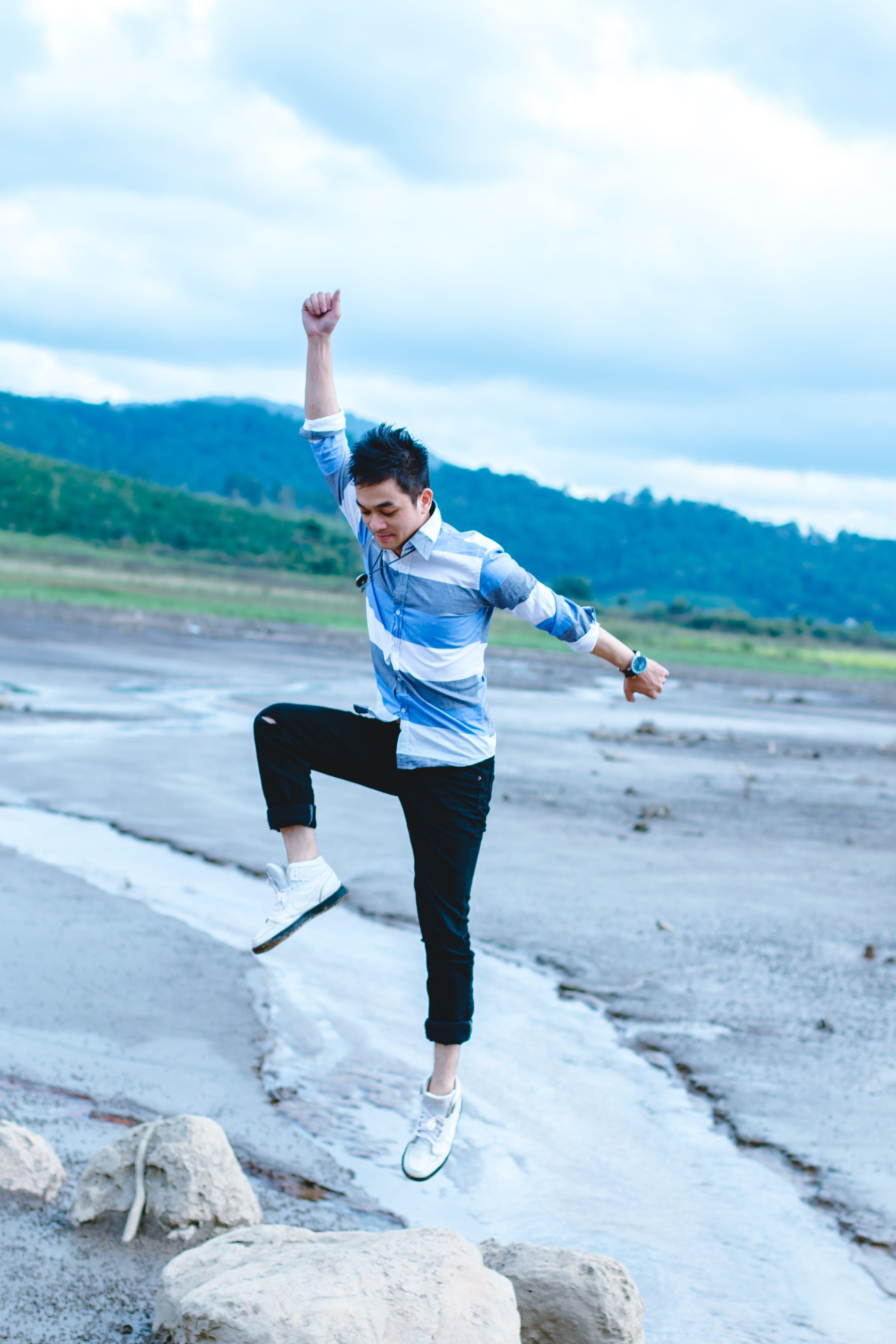 Безкоштовне стокове фото на тему «азіатський чоловік, активний, баланс, денний час»