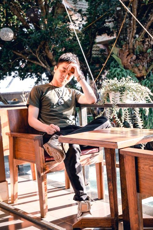 boldogtalan, bútorok, divat
