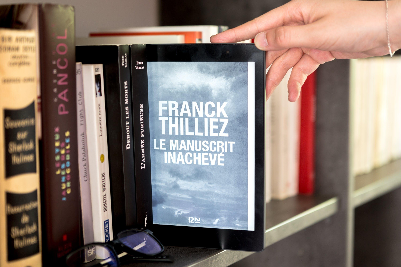 Free stock photo of book, bookcase, bookshelf, e-reader