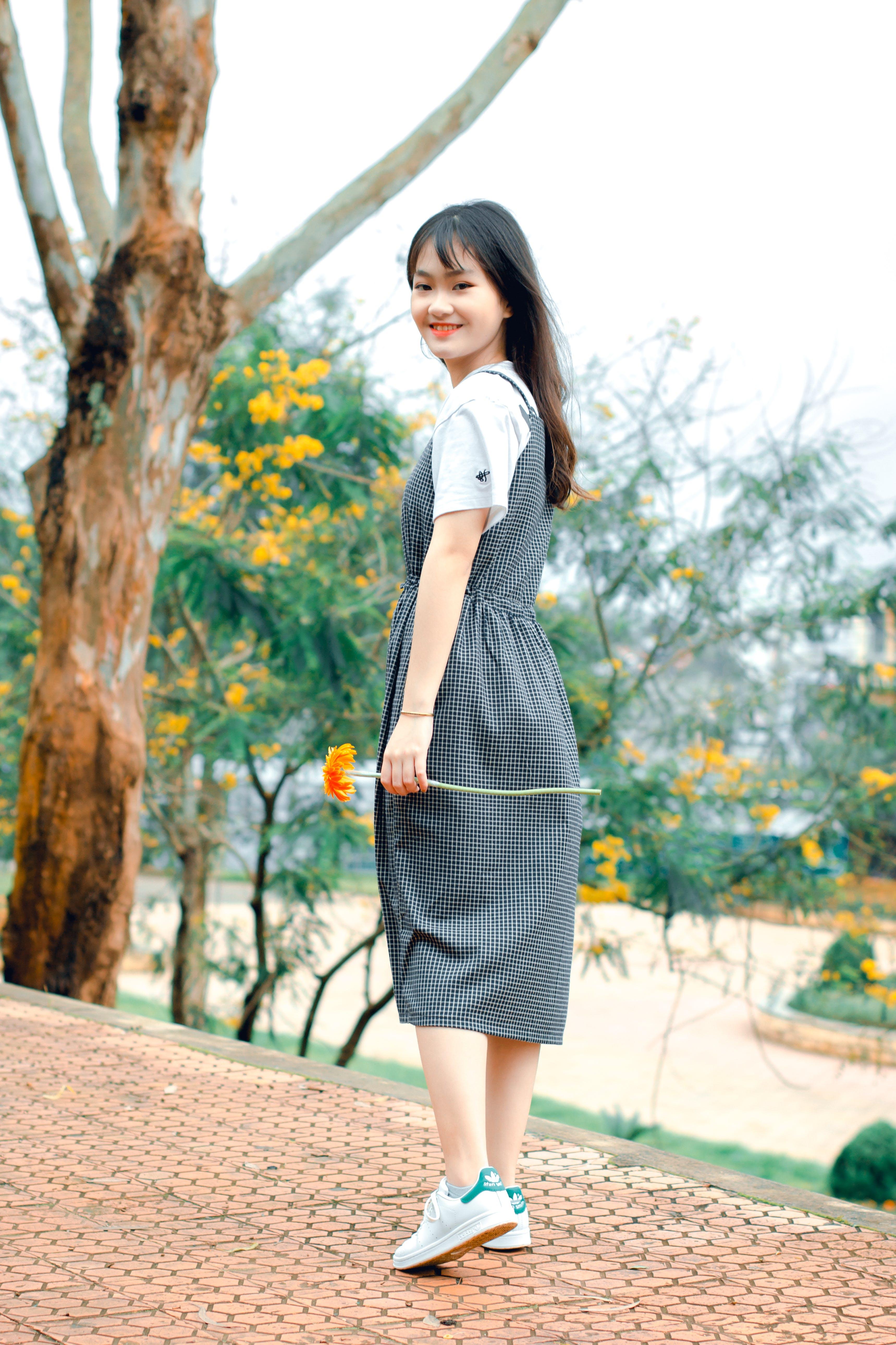 Free stock photo of Asian, asian girl, dress, flower
