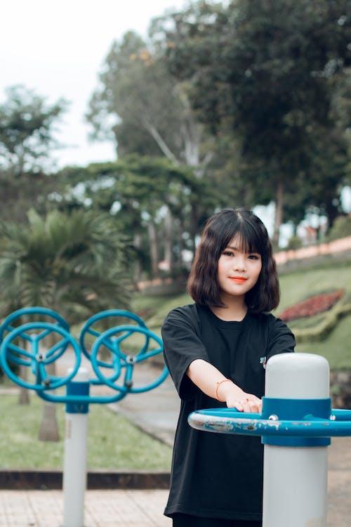 Foto d'estoc gratuïta de arbres, asiàtica, bonic, cabells curts