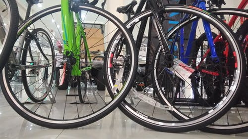 Δωρεάν στοκ φωτογραφιών με γραμμές και καμπύλες, ποδήλατα, τροχοί