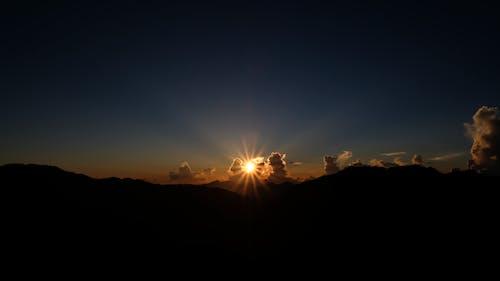 Gratis lagerfoto af himmel, landskab, lys, morgengry